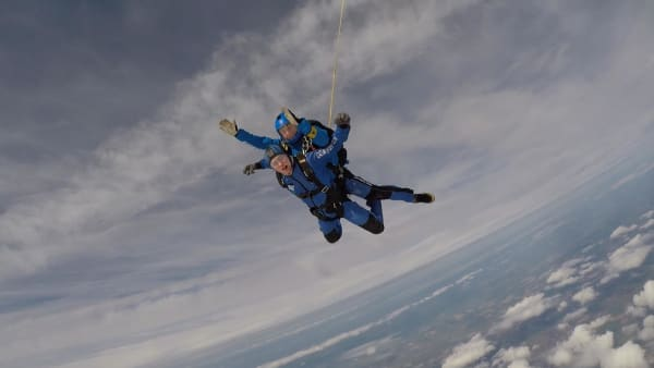 two people in freefall